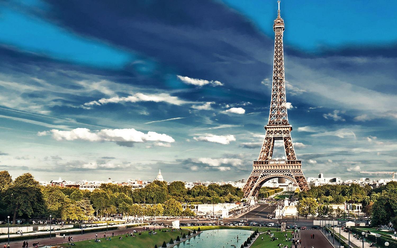 Attentas de Paris : le tourisme peine à redémarrer